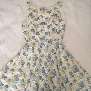 Dresses & Skirts - Vintage blue floral cottagecore Dress